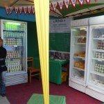 MDG_2012_Rova_MK_Braderie de Tana_frigo_produits laitiers_01